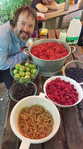 luke and fruit